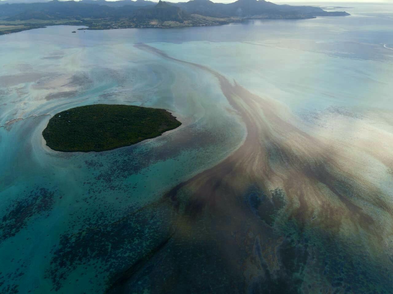 Mauritius oil spill Ile aux Aigrettes