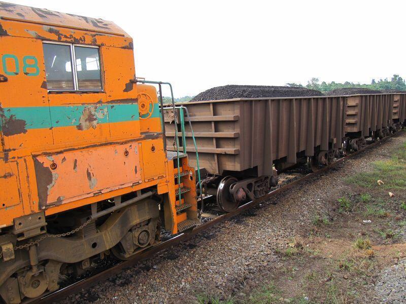 Le transport de minerai sur la ligne du Transgabonais qui traverse huit provinces, de Libreville à Franceville
