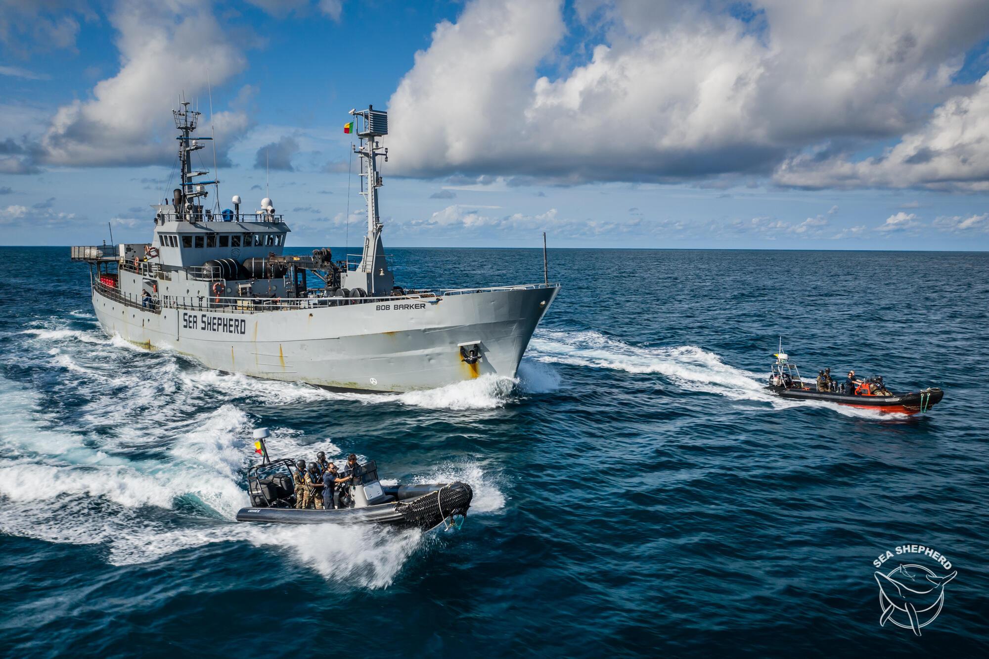 Le bateau de l'ONG Sea Shepherd a passé 20 jours dans les eaux territoriales béninoises pour lutter contre la pêche illicite.