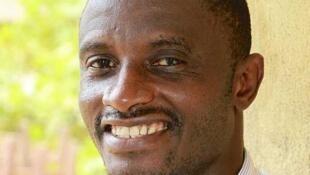 El doctor Salia, residente en Estados Unidos que trabajaba en el hospital  Connaught de Freetown, es el primer ciudadano de Sierra Leona afectado de ébola  en ser repatriado a Estados Unidos.