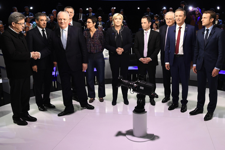 十一位法國總統候選人4月4日晚來到電視台準備辯論之前