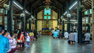 Fin de la messe dans l'église de Kon K'Tu, village de l'ethnie minoritaire Banhar à proximité de la ville de Kontum.
