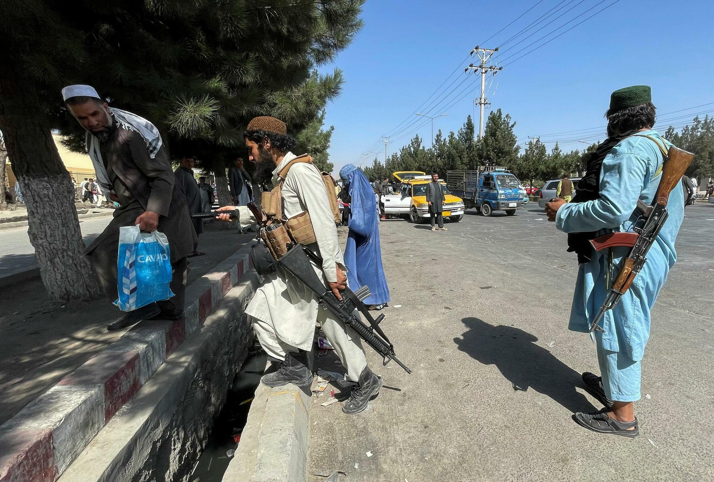 2021-08-27T094655Z_803154703_RC2LDP9S8E0O_RTRMADP_3_AFGHANISTAN-CONFLICT