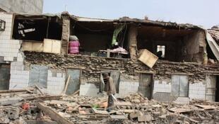 青海玉树地震中被摧毁的房屋.