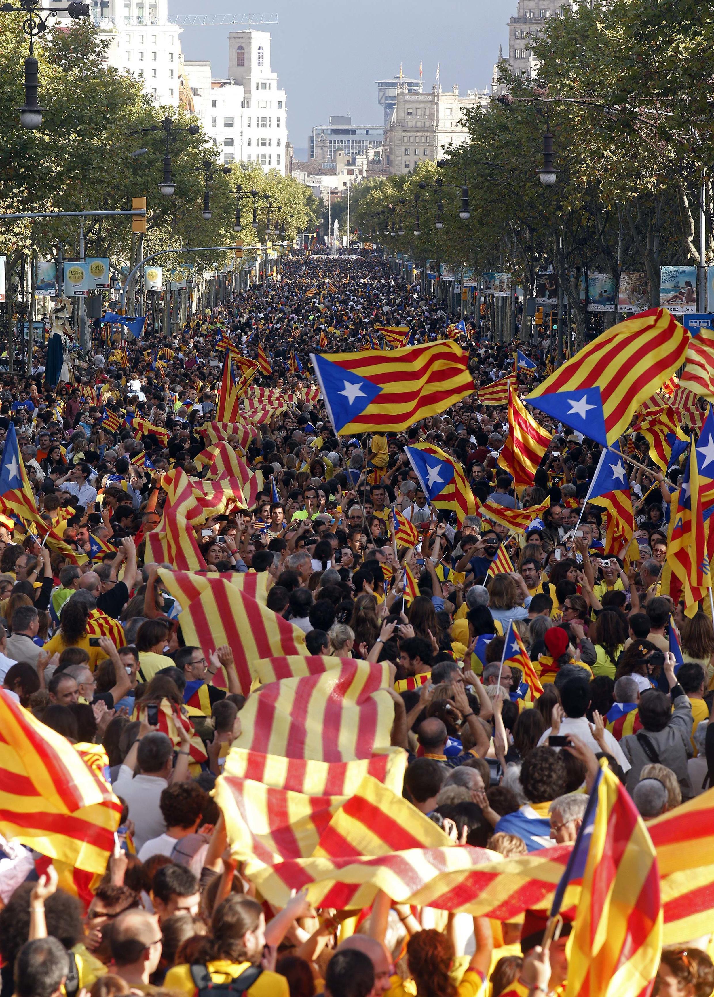 Cadena humana en Barcelona a favor de la independencia.
