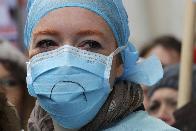 Grâce à un site internet, le personnel soignant cherche des hébergements d'urgence près de leur centre hospitalier.