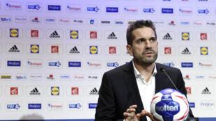 Le sélectionneur des Bleus, Guillaume Gille, en conférence de presse à Paris, le 28 janvier 2020