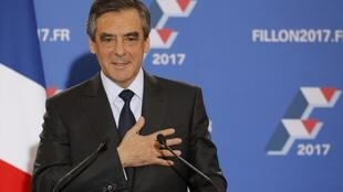 François Fillon speaks to supporters after the primary result is announced