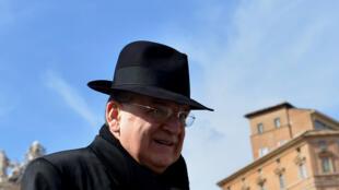 Le cardinal américain Raymond Burke à Rome, le 4 mars 2013.