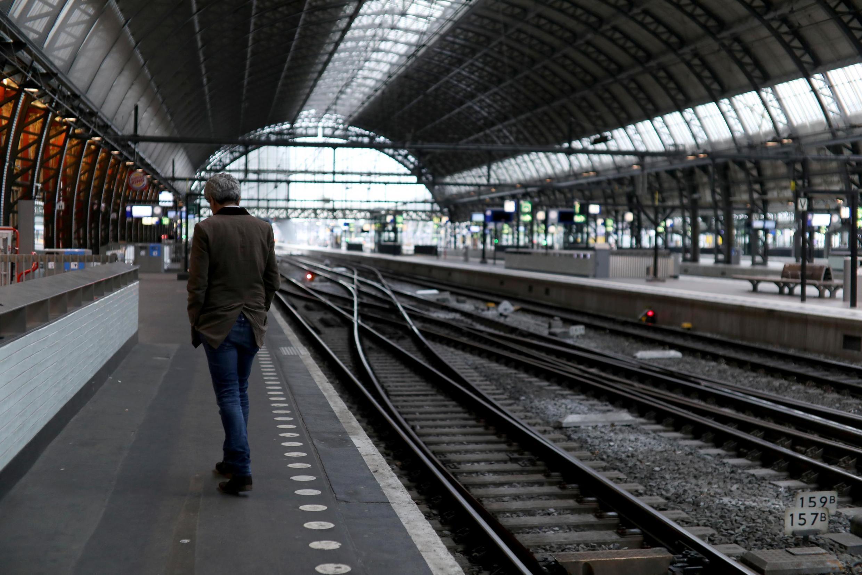Estação de trem quase vazia em Amsterdã, na Holanda, em 28 de maio de 2019.