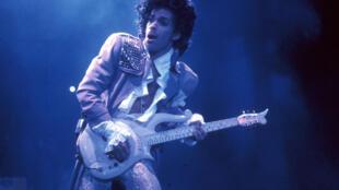 A obra de Prince gera polêmica sobre direitos autorais.