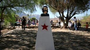 Tượng Ernesto Che Guevara tại làng La Higuera, Santa Cruz, Bolivia, ngày 08/10/2017.