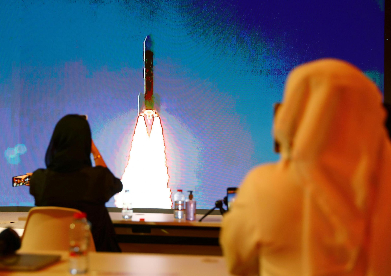 Lokacin da kumbon Al-Amal ke tafiya duniyar Mars.