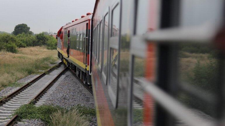 Trabalhadores do Caminho de Ferro de Luanda suspendem greve até 31 de Março
