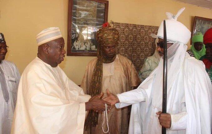 Mai martaba sarkin Muhammadu Sunusi na 2 tare da gwamnan jihar Abdullahi Ganduje