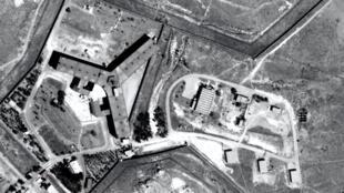 Foto aérea da prisão de Saydnaya, onde, segundo a Anistia Internacional, o regime tortura e executa detidos.