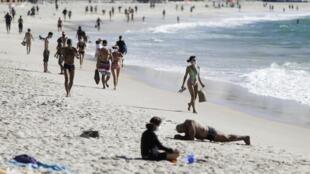 La plage de Copacabana à Rio de Janeiro, le 28 juillet 2020.