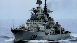 图为中国海军一艘驱逐舰