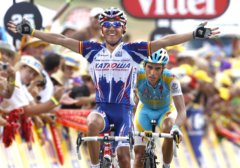 Joaquín Rodríguez gana la etapa en Mende delante de Alberto Contador