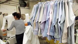 Le perchloroéthylène, un solvant dont la toxicité est connue depuis les années 1970, est toujours utilisé en blanchisserie.