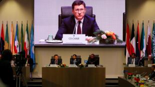 """""""الکساندر نواک"""" وزیر انرژی روسیه، در نشست کشورهای صادرکننده نفت (اوپک)، در شهر وین پایتخت اتریش. جمعه ۱۶ آذر/ ٧ دسامبر ٢٠۱٨"""