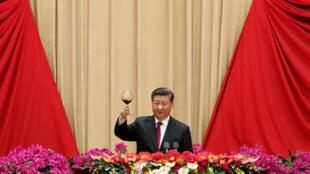 Chủ tịch Trung Quốc trong tiệc mừng kỷ niệm 70 năm thành lập nước CHND Trung Hoa, ngày 1/10/2019, tại Lễ đường Nhân dân Bắc Kinh.