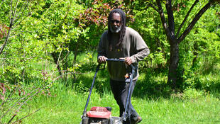 Malik Yakini, fondateur de D-Town Farm.