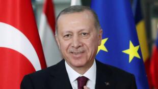 2021-03-22T162939Z_1520991842_RC2GGM9YQW9C_RTRMADP_3_TURKEY-CENBANK-ERDOGAN