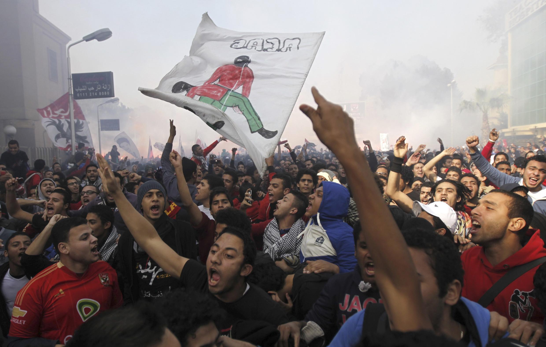 Người biểu tình tại thủ đô Cairo bày tỏ đoàn kết với Tunisia, nơi nảy sinh phong trào Mùa Xuân Ả Rập (REUTERS)