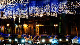 Illumination dans les rue de Madrid, novembre 2009. (www.antoniotajuelo.com)