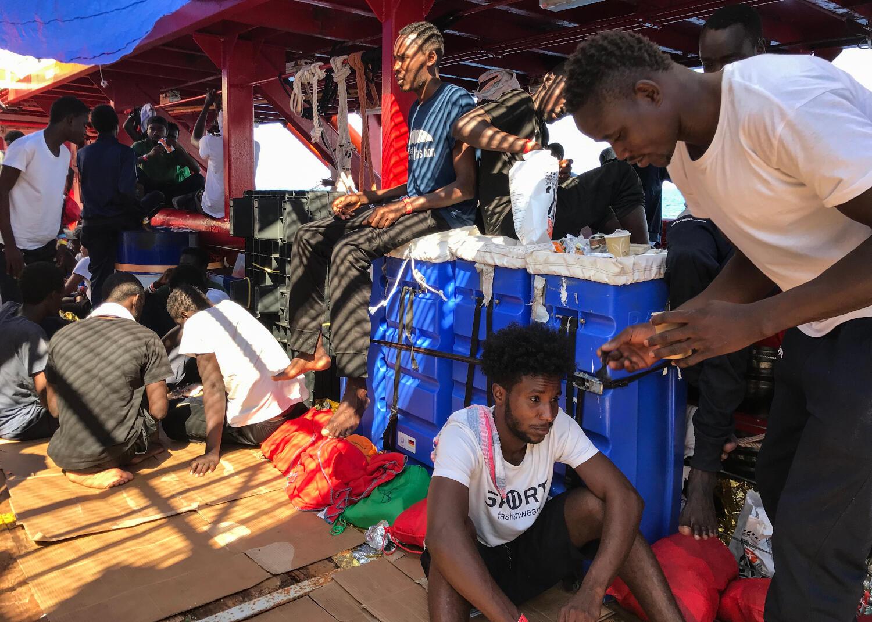 Migrantes a bordo do Ocean Viking, no dia 20/08/19.