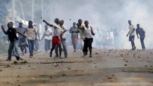 Masu zanga zangar adawa da matakin Shugaban Burundi na zarcewa da mulki