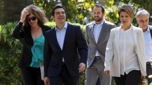 Thủ tướng Alexis Tsipras và các tân bộ trưởng trong chính phủ Hy Lạp, 18/07/2015.