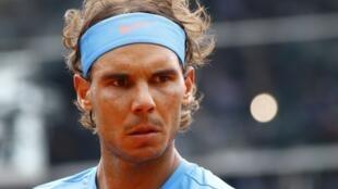 Rafael Nadal venceu mais um confronto contra seu compatrioa Nicolas Almagro em Roland-Garros.