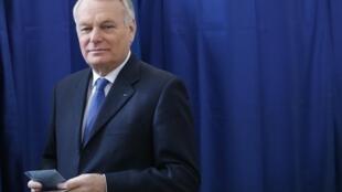 Бывший премьер-министр, новый министр иностранных дел Жан-Марк Эро