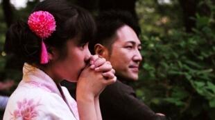Family Romance, le dernier long-métrage du réalisateur allemand, Werner Herzog, sort ce marcredi sur les écrans en France.