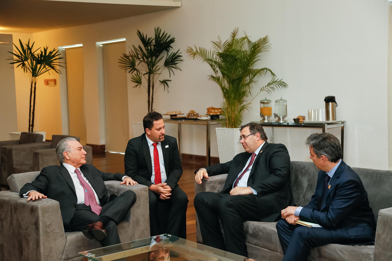 Presidente Michel Temer durante audiência concedida ao Presidente do Conselho de Administração e Diretor Presidente da Total S.A., Patrick Poyanné, e ao Diretor Geral da Total E&P do Brasil, Maxime Rabilloud. 24/10/16