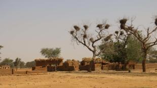 Un village peul situé à une vingtaine de kilomètres de Mopti, au Mali.