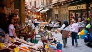 La thalassémie est considérée comme une maladie orpheline, alors que sa prévalence est particulièrement forte dans le sud de l'Italie.  Photo : Dans une rue de Palerme en Sicile.