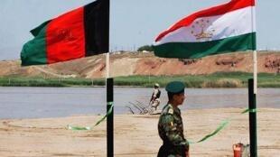 Граница Таджикистана с Авганистаном
