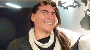 Martín Oliva en los estudios de RFI