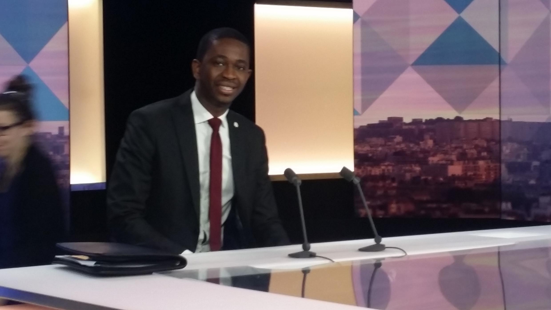 Sheikh Sidia Bayo sur le plateau de France 24, en juin 2015, à l'occasion de l' annonce de sa candidature à l'élection présidentielle de Gambie qui aura lieu en novembre 2016.