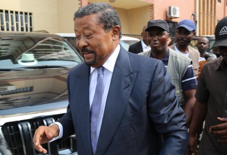 Le Gabonais Jean Ping, candidat déclaré à l'élection présidentielle du 27 août, après un meeting à Libreville, le 24 juin 2016.