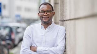 Portrait de l'écrivain Fiston Mwanza Mijulia.
