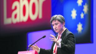 澳洲工党影子外交部长黄英贤资料图片