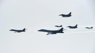 韓美聯合軍演參加演習的美國B-1B轟炸機