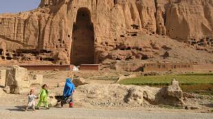 La falaise aux bouddhas de Bamiyan, en Afghanistan.