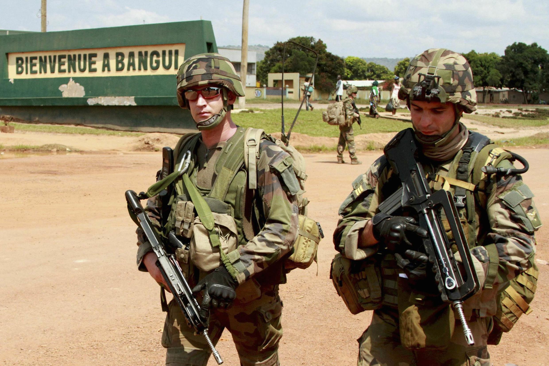 Exército francês patrulha ruas da capital da República Centro-Africana