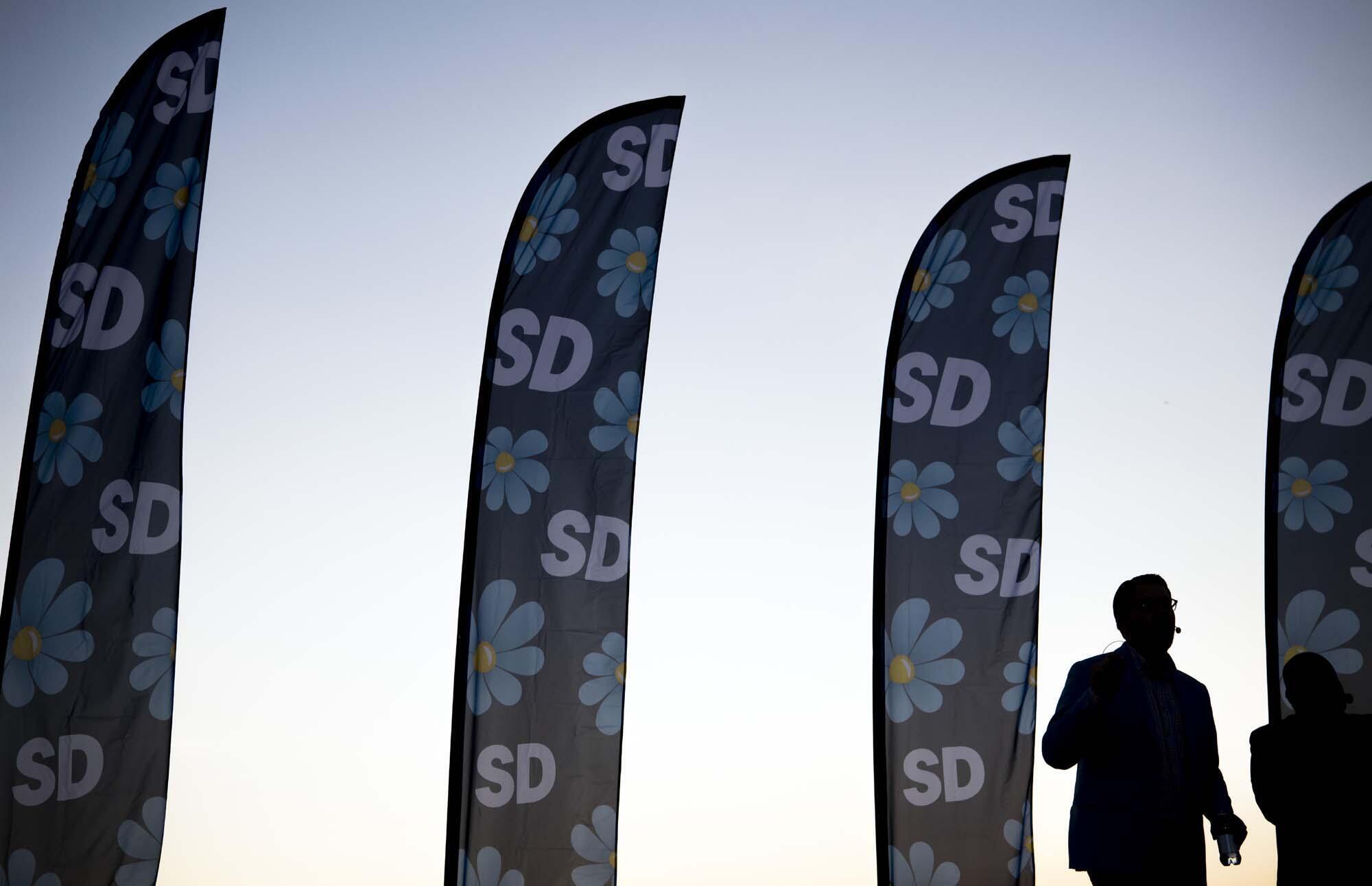 Les résultats des élections législatives suédoises, du dimanche 9 septembre, donnent la gauche et la droite au coude à coude, alors que l'extrême droite progresse.