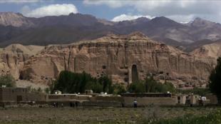 فیلم هفت پرده که داستان آن در افغانستان می گذرد، درباره افغانستان بعد از طالبان است.